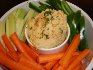 Hummus with fresh veggies